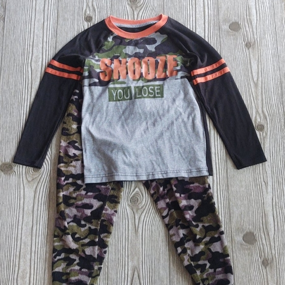 Pajama set boys size S6-7